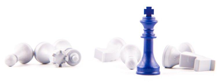chess-pieces-_niebieski_zprawej_750